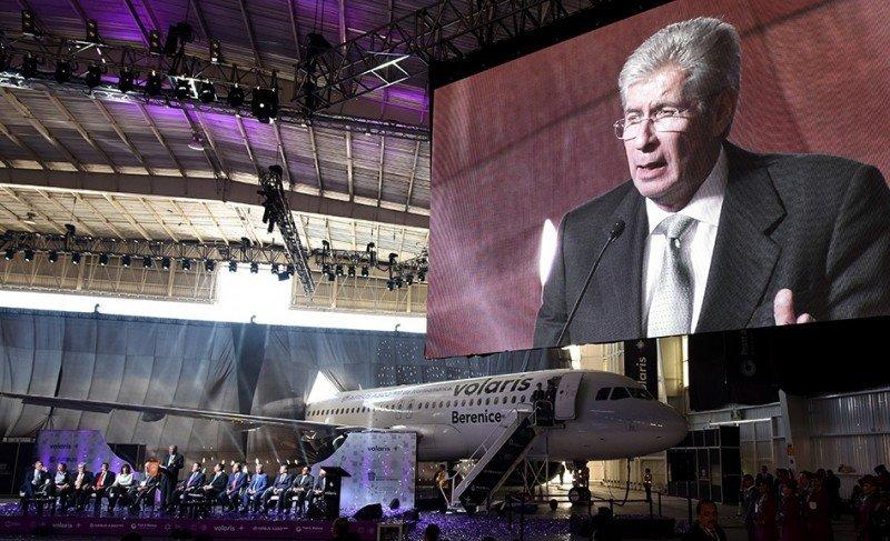 Secretario de Transportes y Comunciación de México, Gerardo Ruiz Esparza, en la presentación del A320neo de Volaris.