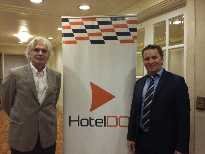 Claudio Delgado y Daniel Vázquez VP Comercial de HotelDO.
