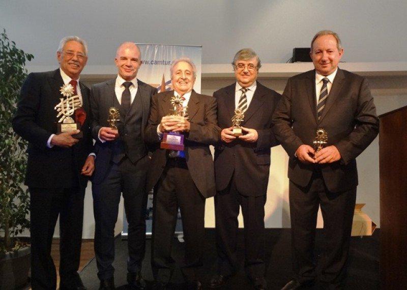 Premiados: William Martínez, Julio Facal, Luis Sáder, Armando Bonilla y Hugo Ceretta.