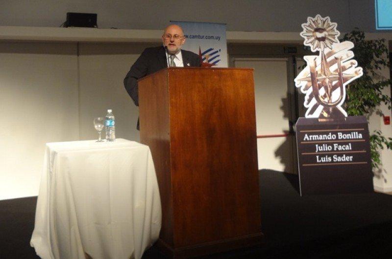 Juan Martínez anunció que los empresarios generarán un proyecto de ley de accesibilidad turística.