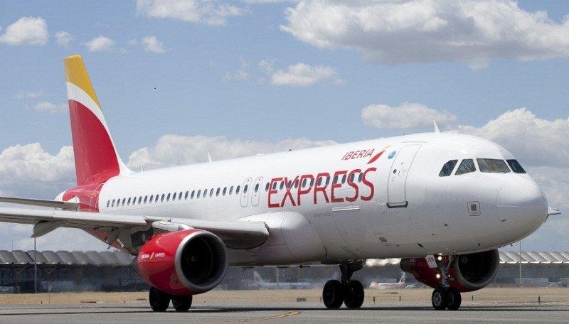 Iberia Express aumenta la capacidad a las islas entre un 10 y un 28%