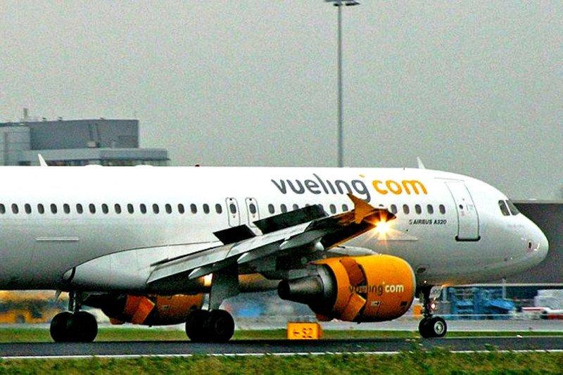 Vueling cierra su base en Bruselas y cancela dos rutas