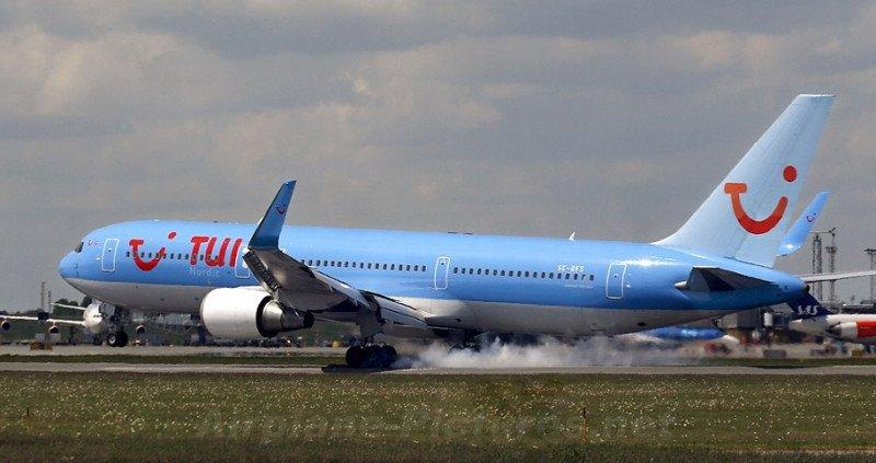 TUIfly cancela casi todos sus vuelos por bajas repentinas de pilotos y TCP (Airplane-Pictures.ne/ Jesper Nielsen).