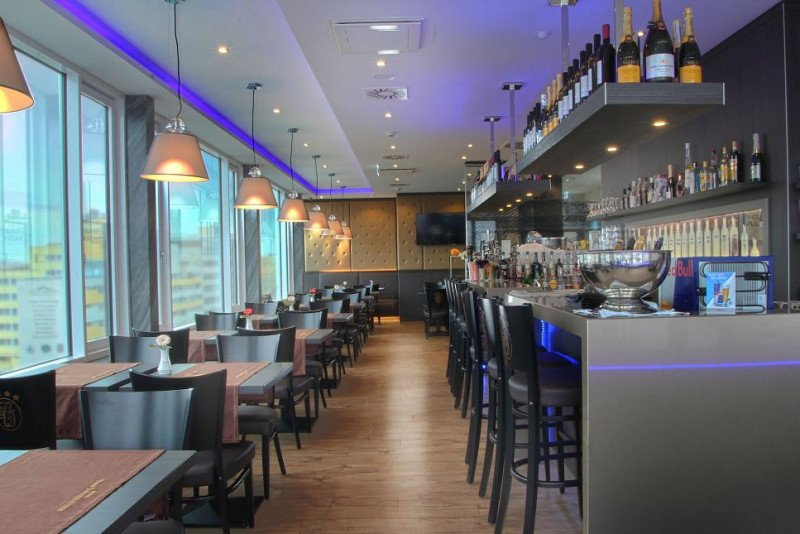 El hotel dispondrá de restaurante panorámico y lounge bar en la azotea, gimnasio y spa. En la imagen, el restaurante del desayuno.
