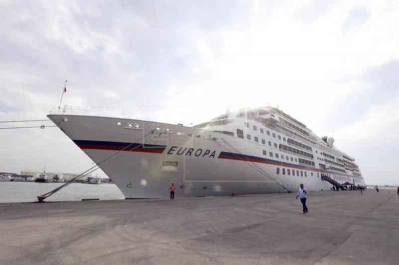 Túnez recibe su primer crucero desde el ataque de El Bardo en 2015