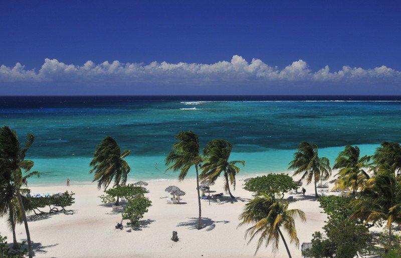 Cuba alcanza 3 millones de visitantes con incremento acumulado del 12%