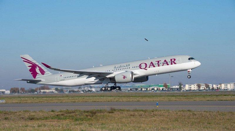Qatar Airways responde a los retrasos de Airbus: analiza compra del B737MAX