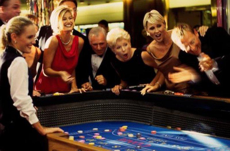 Las actividades de juegos de azar y apuestas son las que registraron un  mayor aumento en el número de personas ocupadas respecto a 2014 (19,6%).