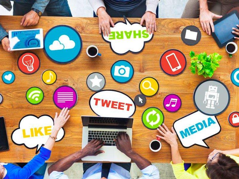 La saturación de información en la que el usuario se mueve a nivel online lleva al mercado a proponer soluciones a través del Social Media Marketing