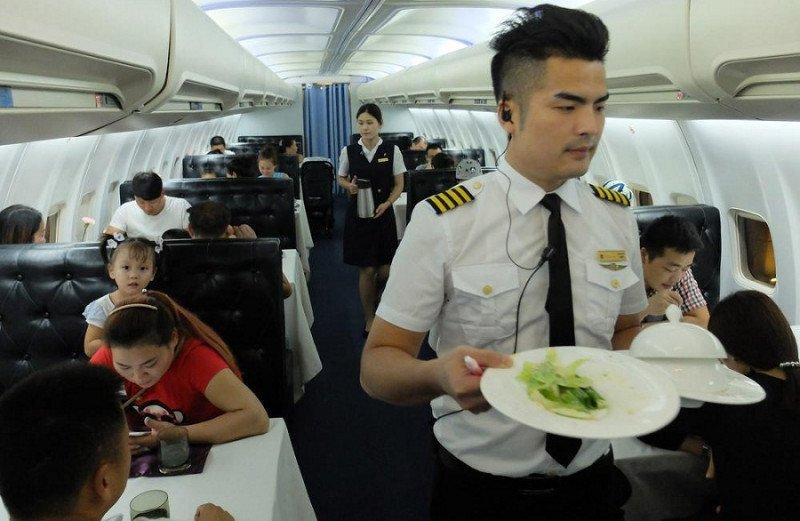 Vamos a comer al avión