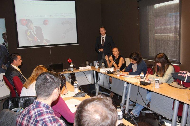 El director de Gebta España, Marcel Forns, presenta el estudio.