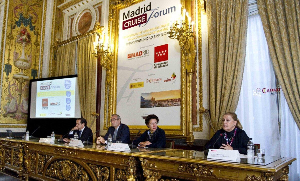 L a directora de la Oficina de Cultura y Turismo de la Comunidad de Madrid, Anunciada Fernández de Córdova, inuguró el Madrid Cruise Forum.