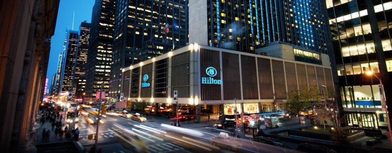 Airbnb en Nueva York, Colau paraliza hotel, HNA en Hilton, Benidorm...