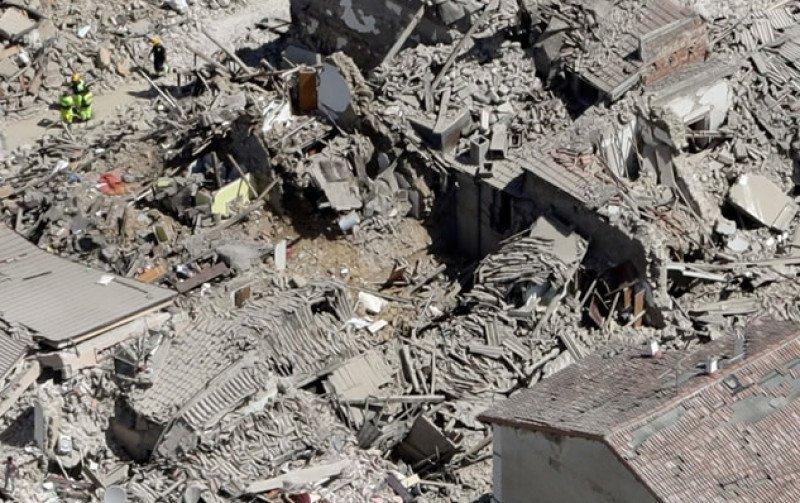 Se han derrumbado muchos edificios que ya estaban debilitados por los seísmos anteriores.
