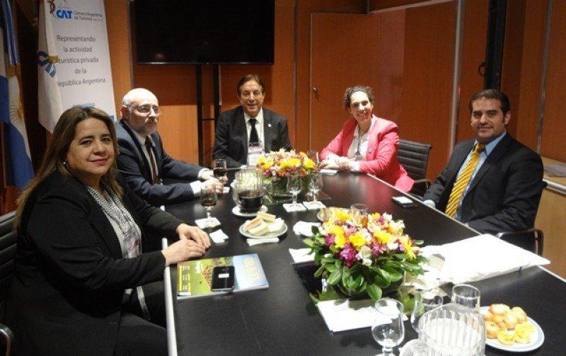 Nidia Arza, de Paraguay; Juan Martínez de Uruguay; Óscar Ghezzi, de Argentina; Debbie Feldman de Chile y Maximiliano Mauvecin de Argentina.