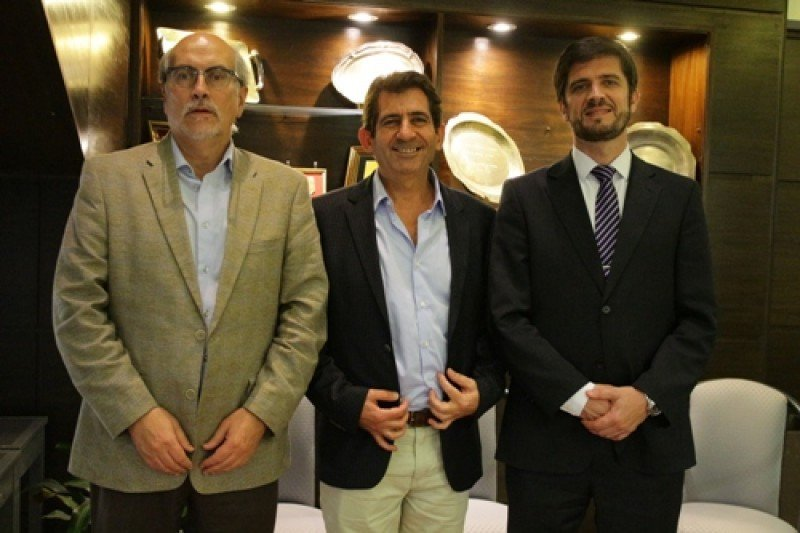 Héctor Viñuales presidirá FEDECATUR