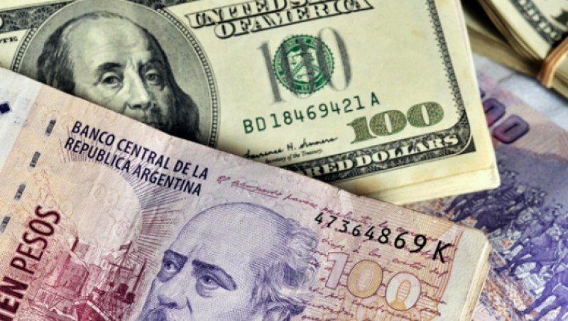 Hoteles de Argentina podrán cambiar dólares a extranjeros