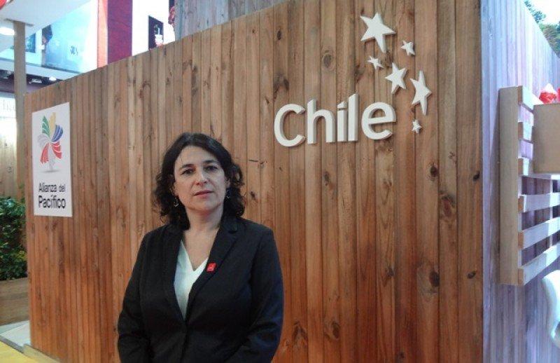 Javiera Montes, subsecretaria de Turismo de Chile, en el pabellón de la FIT 2016.