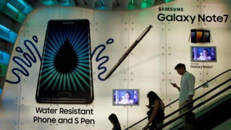 Samsung ofrece recambio del Galaxy Note 7 en aeropuertos tras prohibición para volar