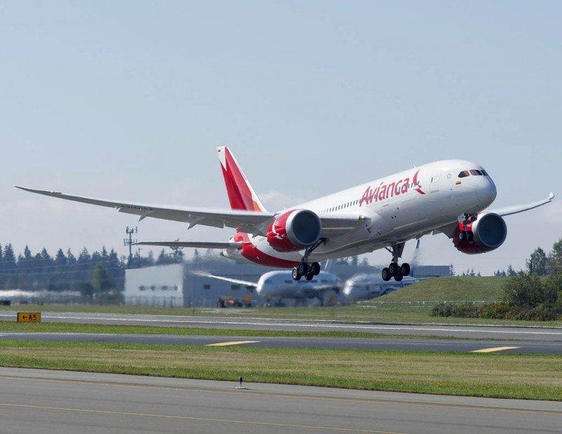 Avión militar de Venezuela puso en riesgo un vuelo de Avianca