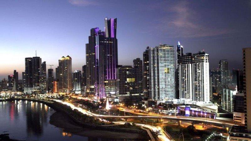 Ciudad de Panamá reduce de 6 meses a 4 semanas la aprobación de planos