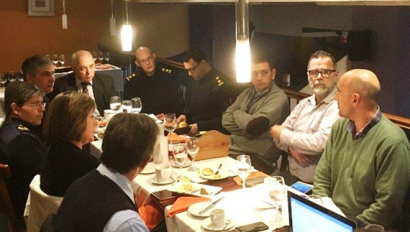 Reunión entre Jefatura de Policía y miembros del Montevideo Bureau.