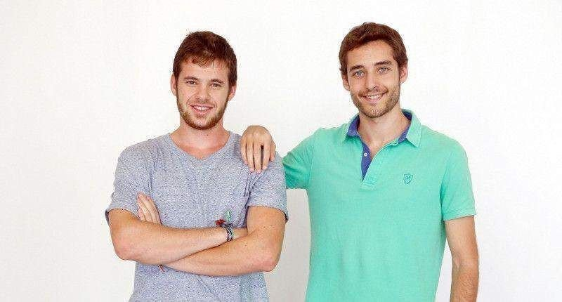 (Izq. a Da.) Gonzalo Ortega y Carlos Montesinos, creadores de Airhopping.