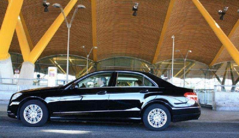Los taxistas revientan twitter con denuncias contra Aena