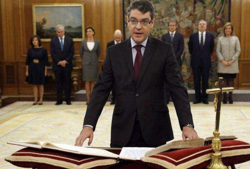 Álvaro Nadal ha jurado hoy su cargo como ministro de Energía, Turismo y Agenda Digital.