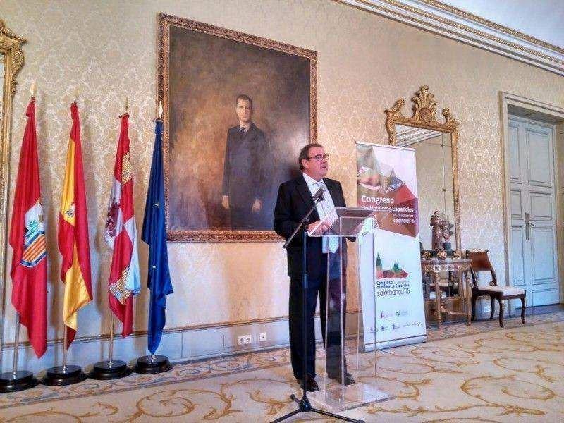 El presidente de CEHAT, Joan Molas, en la presentación del Congreso el pasado mes de septiembre en el Ayuntamiento de Salamanca.