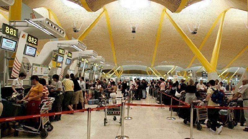Madrid-Barajas se mantiene como el pirmer aeropuerto español en tráfico.