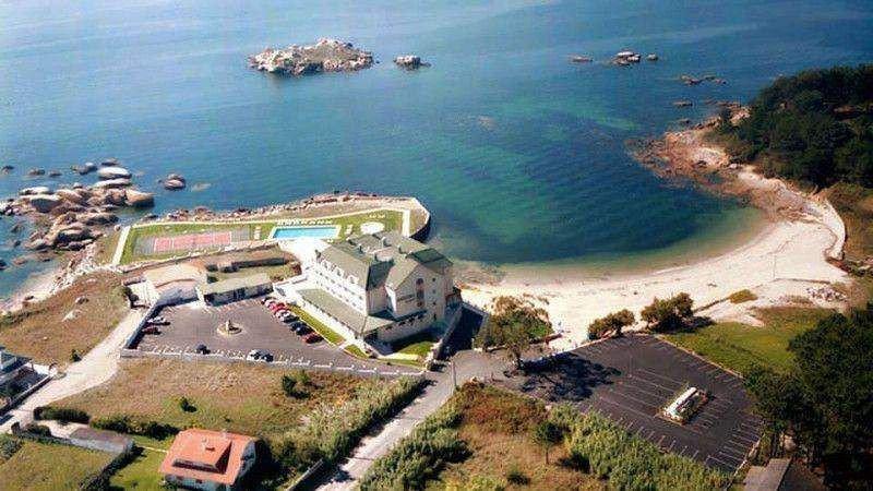 El Hotel Ofiusa disfruta de una estratégica ubicación en la Ría de Arousa.