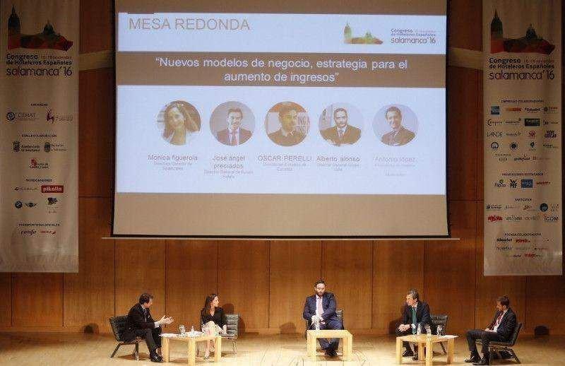 De izq. a dcha, Antonio López de Ávila, Mónica Figuerola, Alberto Alonso, José Ángel Preciados y Óscar Perelli.