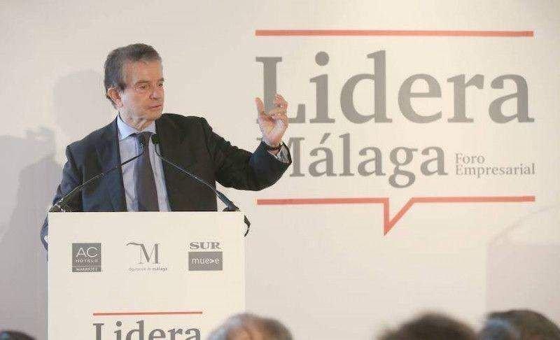 """Antonio Catalán durante su intervención en el foro 'Lidera Málaga', en el que ha afirmado que la reforma laboral """"no puede ser café para todos, hay empresas que tienen que cerrar""""."""