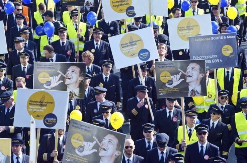 Foto de archivo. Manifestación de los pilotos de Lufthansa hace dos años en el Aeropuerto de Frankfurt cuando empezaron las primeras huelgas.