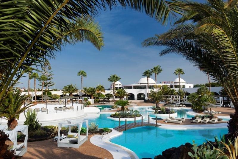 Uno de los elementos distintivos de Elba Lanzarote Royal Village Resort es su arquitectura, en sintonía con el estilo de las casas tradicionales de Lanzarote.