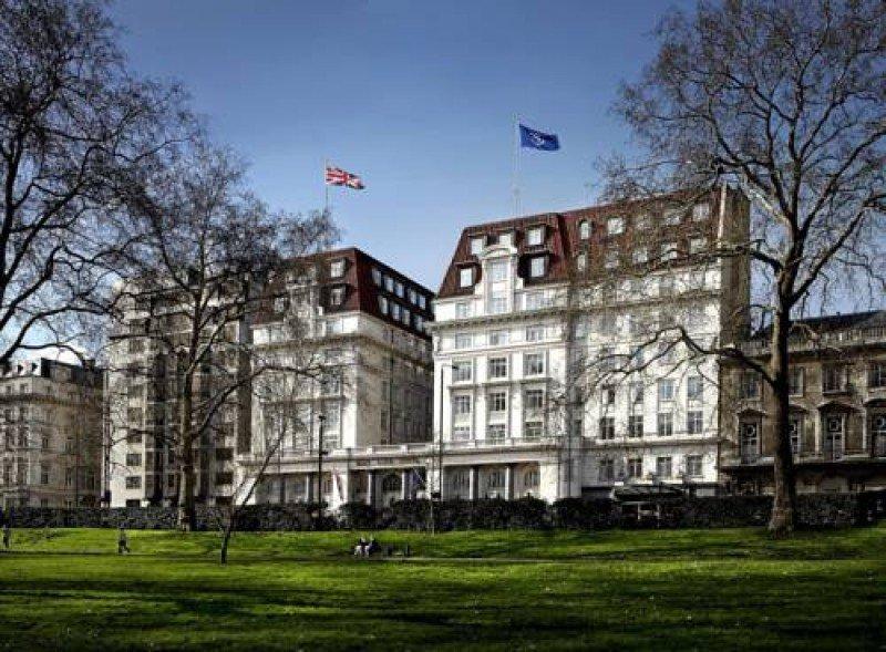 Reabre tras reforma mutimillonaria uno de los hoteles más clásicos de Londres