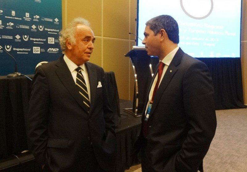 Sebastián Montero, presidente de la Corporación de Puertos del Cono Sur, y Dario Rustico, director de ventas de Costa Cruceros en Sudamérica.