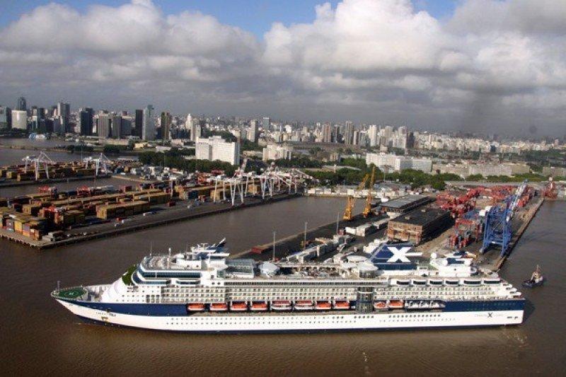 Argentina baja tasas migratorias a pasajeros de cruceros en temporada baja
