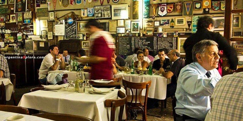 Cerca de 8.000 empleos menos por cierre de restaurantes en Buenos Aires