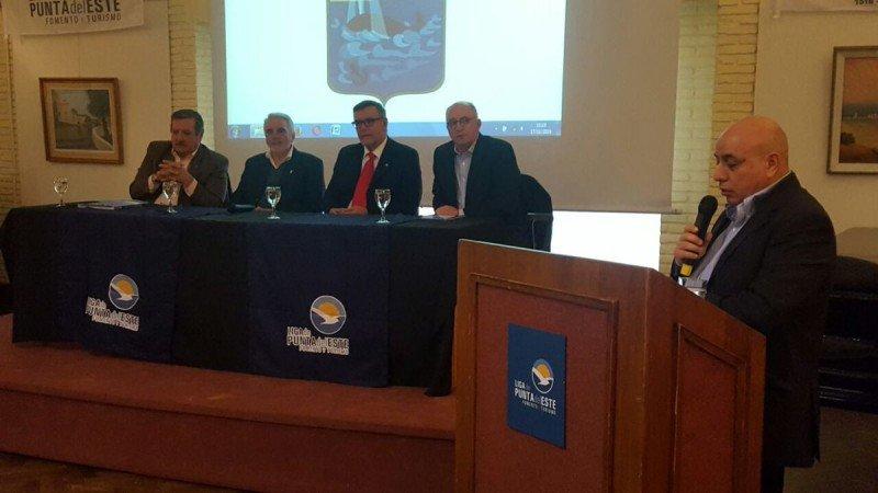 Arnaldo Nardone expresó su preocupación durante una reunión empresarial celebrada en la Liga de Fomento de Punta del Este.
