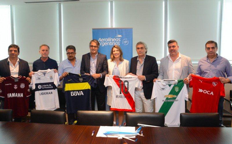 Aerolíneas Argentinas impulsa venta directa de la mano del fútbol