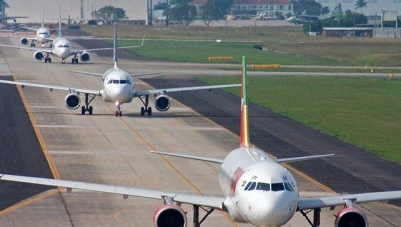 Cae por 15° mes seguido la demanda de vuelos domésticos en Brasil