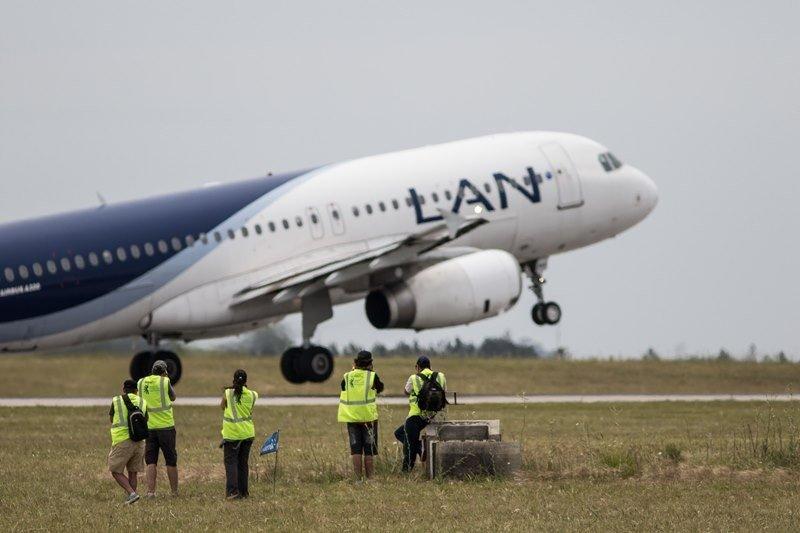 """Aeropuerto de Carrasco tuvo su jornada abierta para """"spotters"""""""