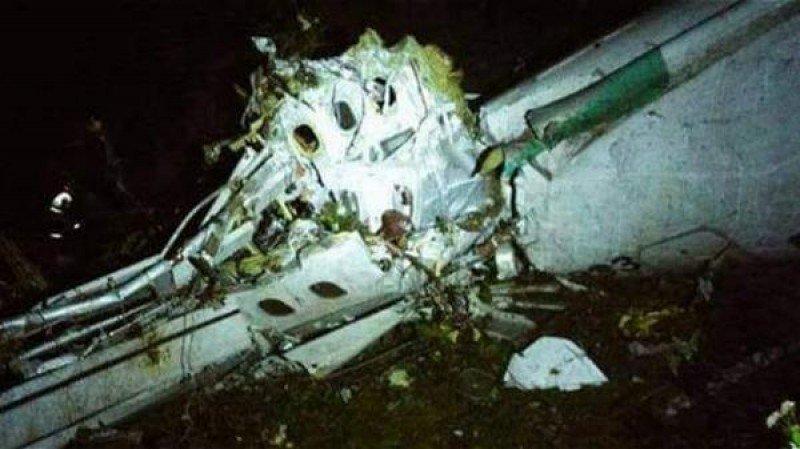 Avión que transportaba equipo de fútbol se estrella en Colombia (Imagen: Defensa Civil)