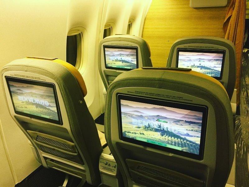 Cabina Premium Economy del B777 de Alitalia.