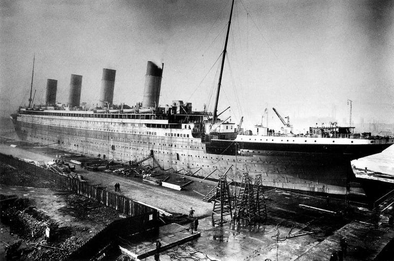 Imagen del Titanic original durante su construcción.