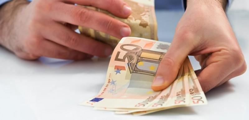 Limitar el pago en efectivo a 1.000 € puede restar ventas a las agencias