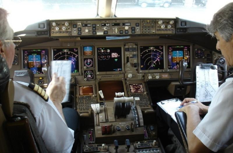 La difusión de grabaciones de pilotos y controladores vulnera la seguridad