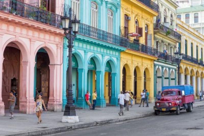 En 2015, Cuba recibió 3,5 millones de visitantes extranjeros.